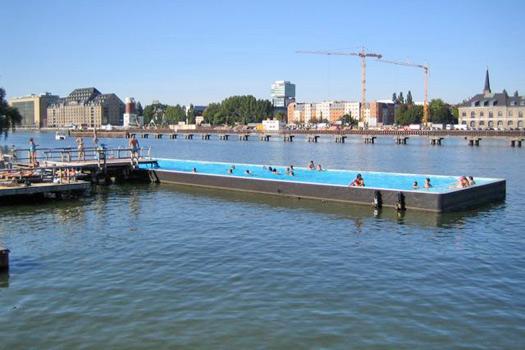 Berlin's Badeschiff. Photo by mini joan