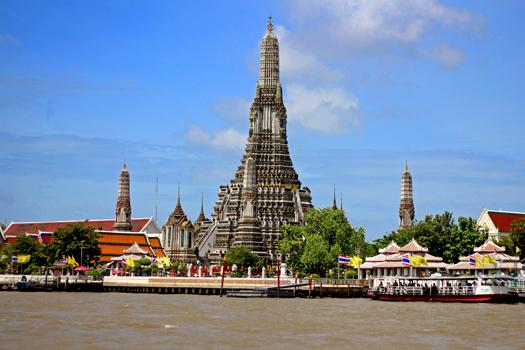 Wat Arun at daytime