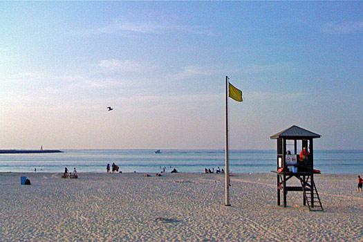 Jumeira Beach , Dubai. Photo by betty x1138
