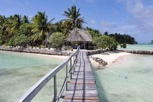 Entrance to Tabon Te Keekee, Kiribati. Photo by tabontekeekee.com