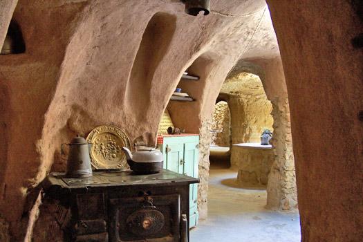 Underground kitchen. Photo by Forestiere Underground Gardens