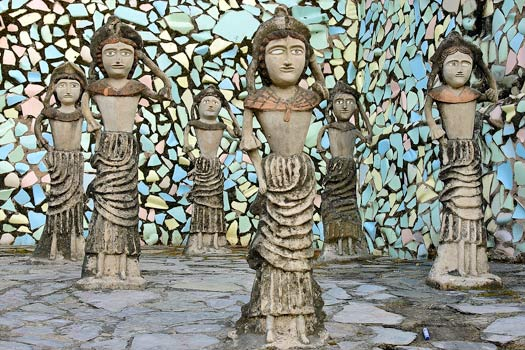 Ceramic and waste statuettes. Rock Garden of Chandigarh, India. Photo by Giridhar Appaji Nag Y