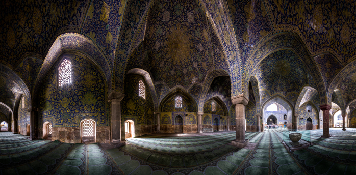 A large and beautiful mosque interior.