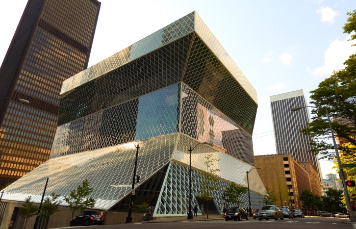 The futuristic exterior to the Seattle library.