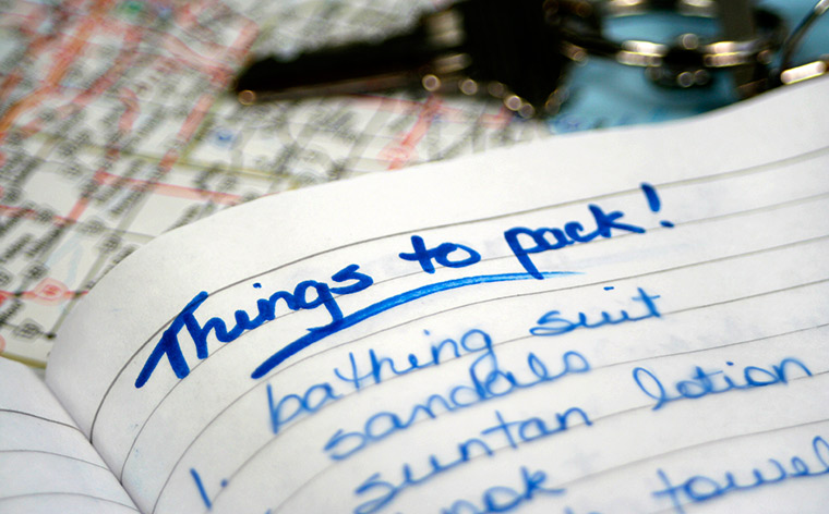 A traveling checklist in 21 handy tips