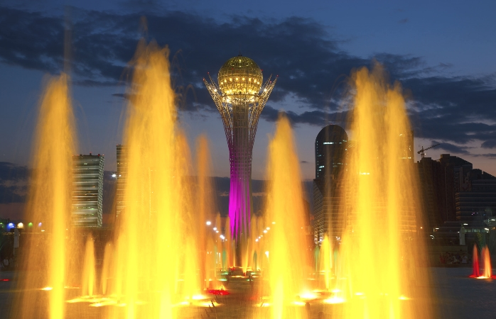 Astana's colourful water fountain and Bayterek tower