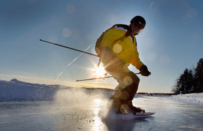 Tour-skate-Ã…land-@VisitFinland-fun-things-to-do-in-the-winter