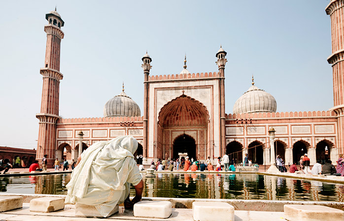 2-Delhi-holiday-destinations-in-india-places-to-visit-in-india-mughal-gardens-best-places-to-visit-in-delhi