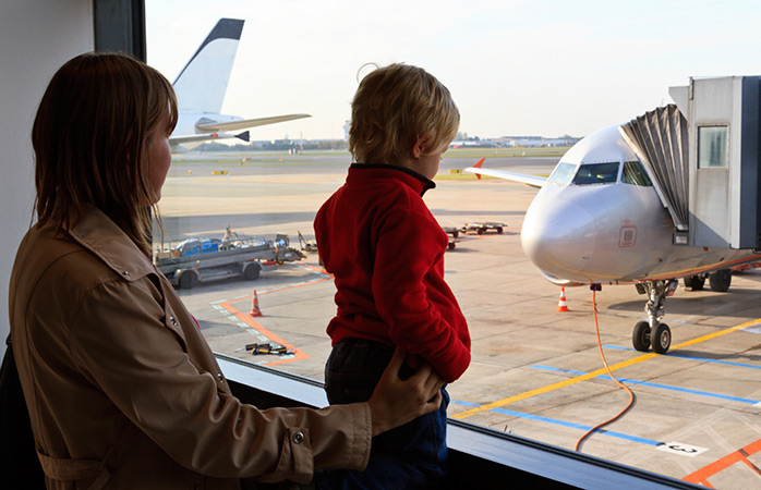 overcome-fear-of-flying-as-a-parent