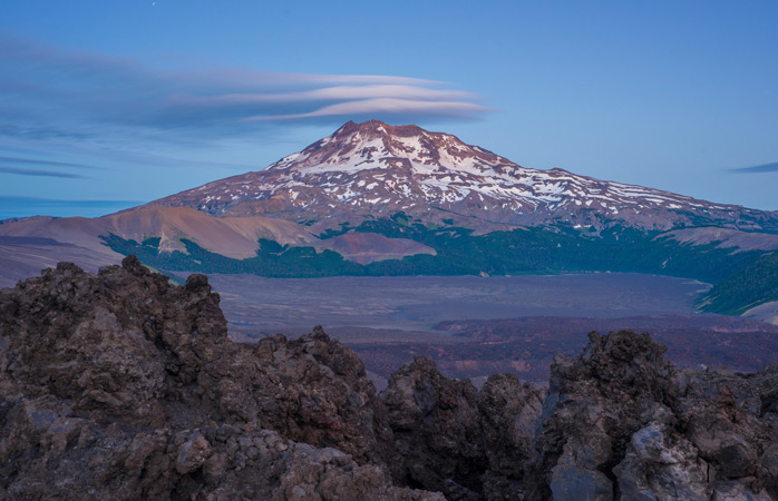 3-best-travel-books-the-house-of-the-Spirits-book-world-books-tolhuaca-volcano