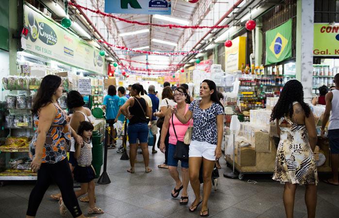 Mercadao-de-Madureira-shopping-in-rio-de-janeiro-things-to-do-in-rio-de-janeiro