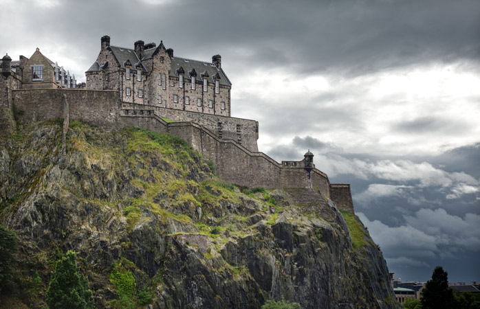 Edinburgh-castle-the-scotch-whisky-experience-whisky-trail