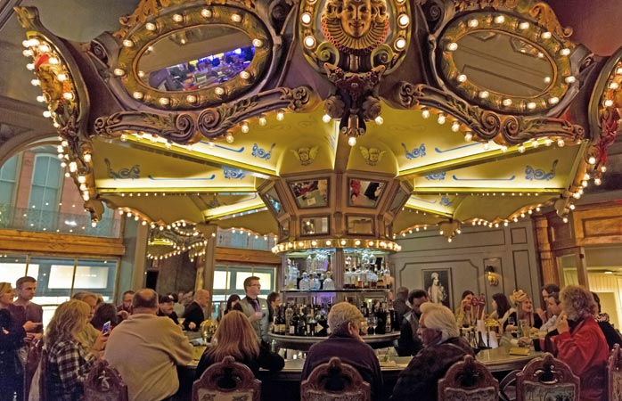 hotel-monteleone-famous-hotels-where-to-stay-in-new-orleans