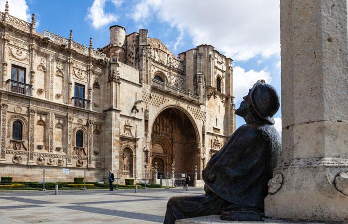 In awe of the imposing façade of Parador de Santiago