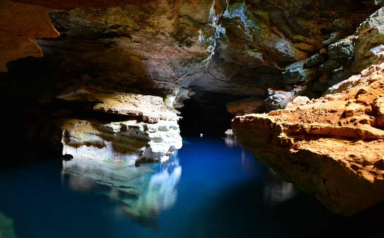 Explore the underworld: 7 beautiful caves in Brazil