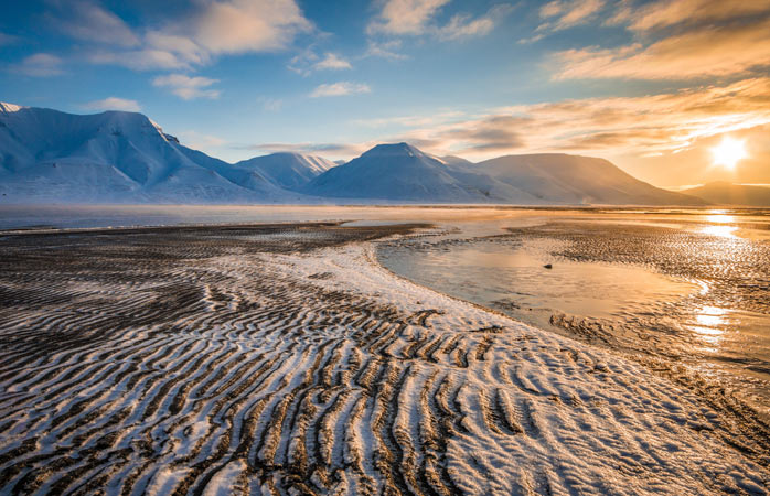 Neither sunrise nor sunset during the eternal summer days in Svalbard