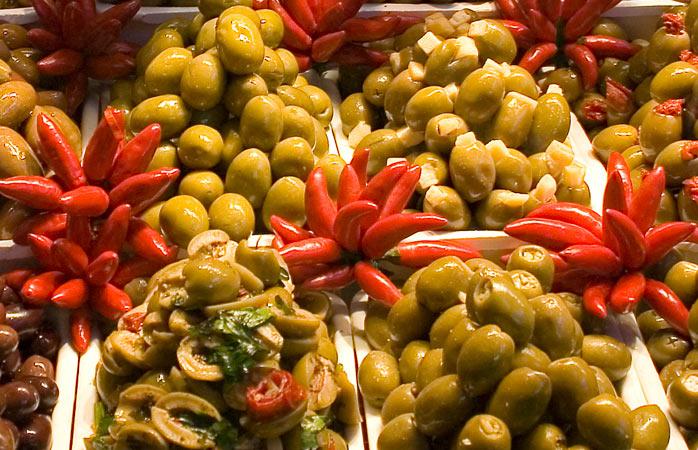 Indulge in Jewish delicacies at Zabar's