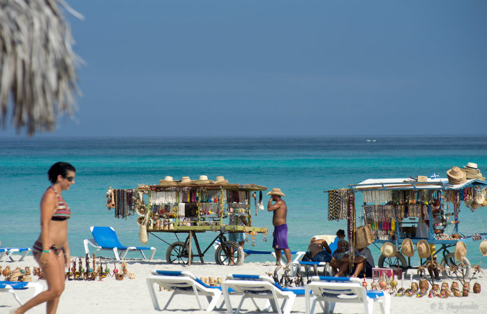 A travelling market at one of Varadero's beaches