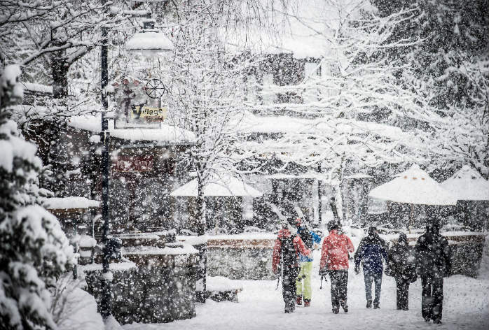 Over 10 m of snow falls in a single season in Whistler-Blackcomb