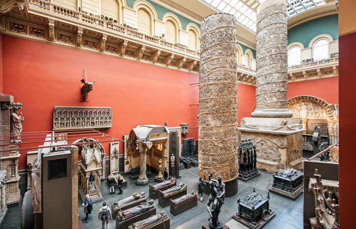 Seven floors with art from around the world. Victoria & Albert Museum is a London attraction