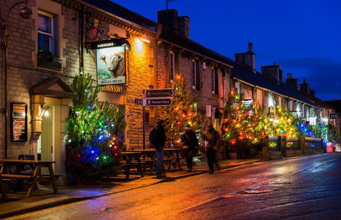 Small village, many Christmas trees – Castleton, England