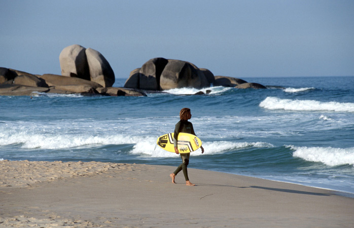 Sunbathe, surf, or chill on the 40 beaches around the island of Florianópolis, like here in Praia Mole