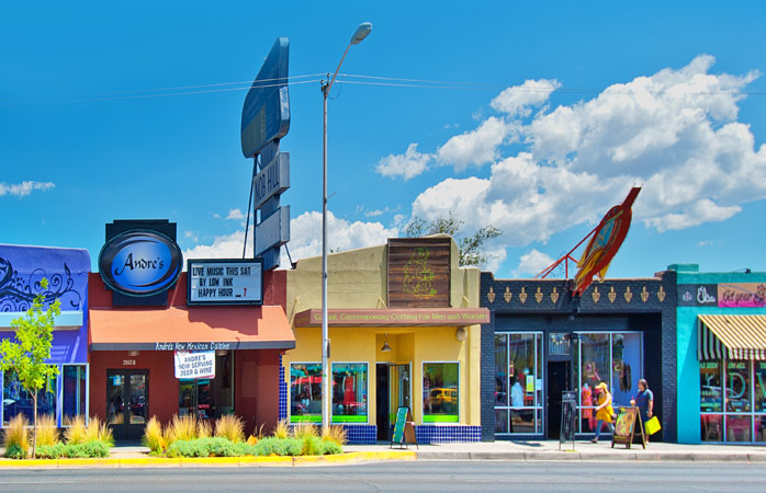 Hollywood-worthy storefronts and cafés on the retro style Central Avenue