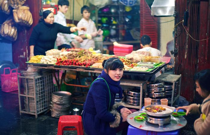Hanoi street food © Maxime Guilbot