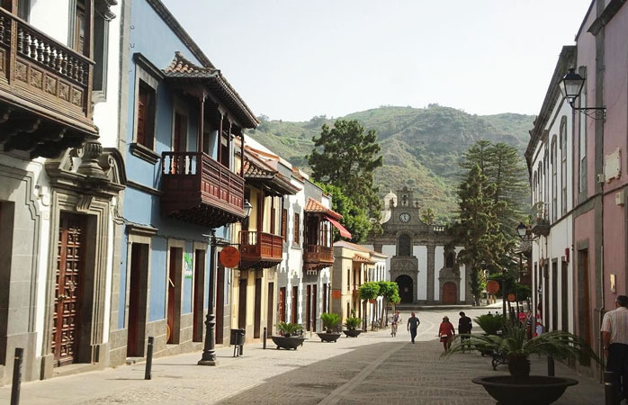 Coloured houses and wooden terraces in the mountain village of Teror, Gran Canaria