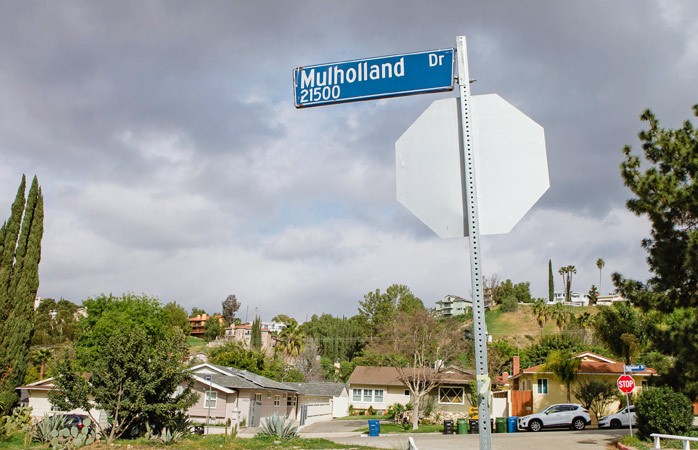 Make your own Hollywood tour, driving along the famous Mulholland Drive