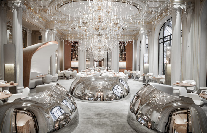 The stunning dining room of Alain Ducasse au Plaza Athénée © Pierre Monetta