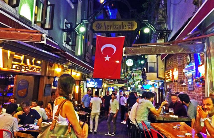 Krependeki İmroz lies in the beating heart Nevizade, a street lined with great eateries