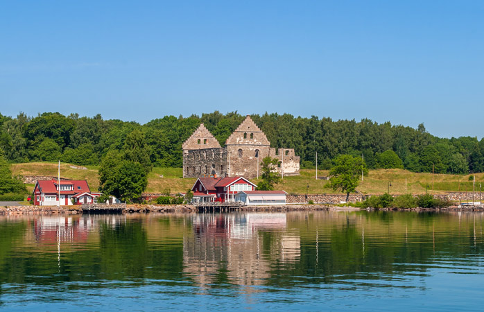 An island for history lovers: stop by the Visingsborg Castle Ruins on Visingsö