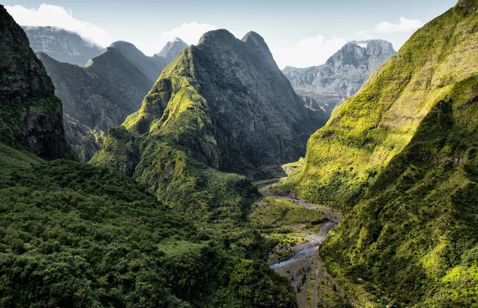 Lush and beautiful mountain scene in La Réunion