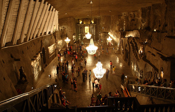 1-Wieliczka-Salt-Mine-secret-underground-cities