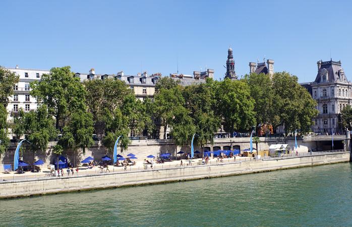 Pop-up beaches give summer in Paris a tropical flair