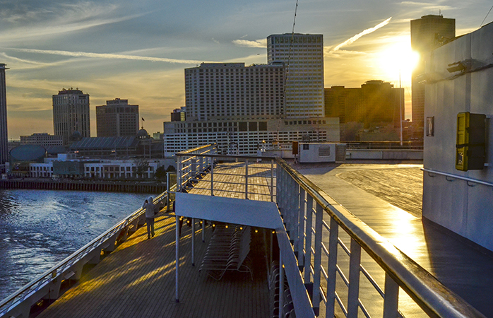 Experience New Orleans from the Mississippi River