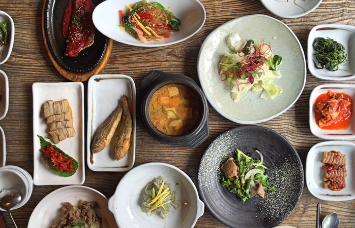 A hansik meal at Insadong will have you taste a variety of mouth-watering dishes